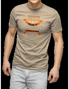 Camiseta Nació la perfección ....